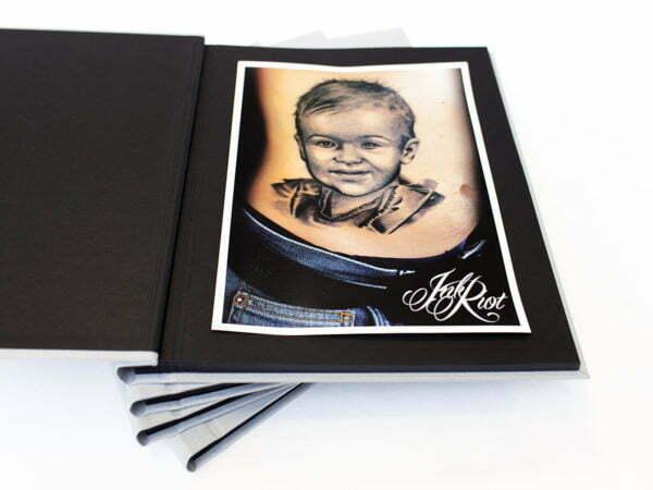 wzory tatuaży w albumie ze zdjęciami