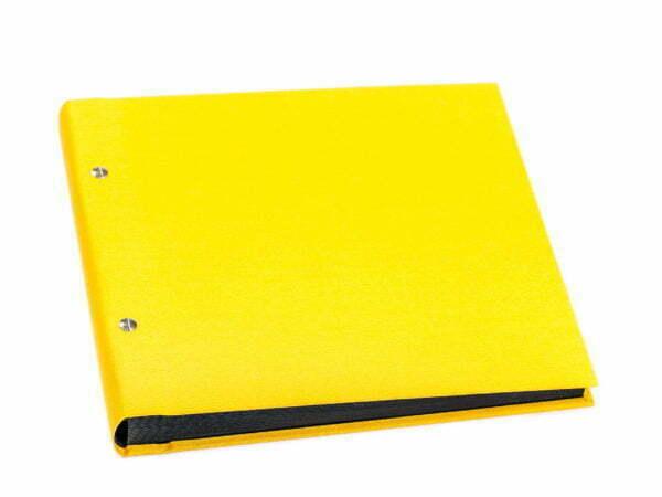 żółty album na zdjęcia