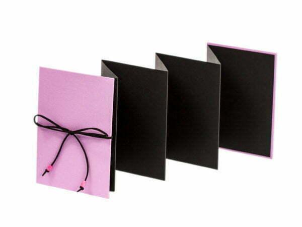 Różowy album na zdjęcia