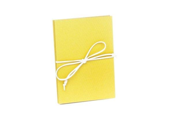 Żółty album na zdjęcia 10x15