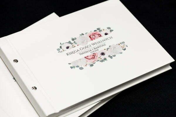 księga gości z drukowaną okładką